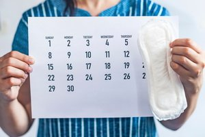 Menstrual cycle calendar and menstrual pads